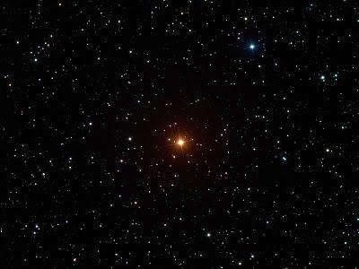 """Estrella de Carbono """"La Superba"""" fotografía de Noel Carboni y Greg Parker, elegida imagen astronómica del día de la NASA el 18 de diciembre de 2008"""