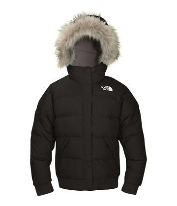 Imagen de un abrigo con capucha, parece muy cálido.