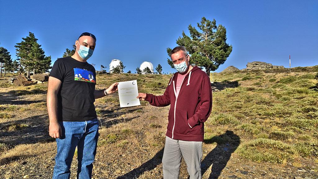 Entrega del diploma del concurso de astrofoto