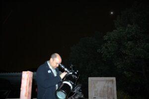 Observando Júpiter desde El Refugio de Cristal