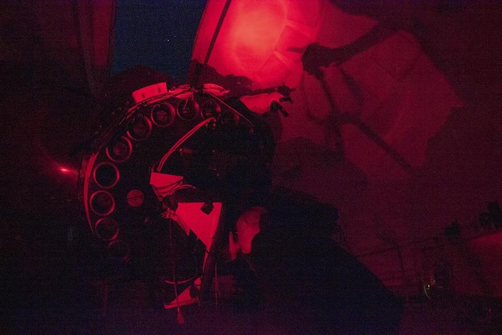 Observando por el 1,23m (la luz roja solo la encendimos al final de la sesión con motivos fotográficos)